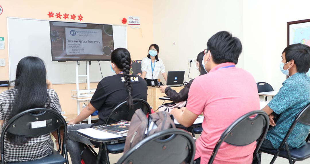 """Workshop on """"Tips for Great Interview"""" for level Intro 3 students"""